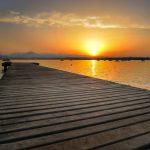 Een zonsopgang aan het Gardameer in Italië