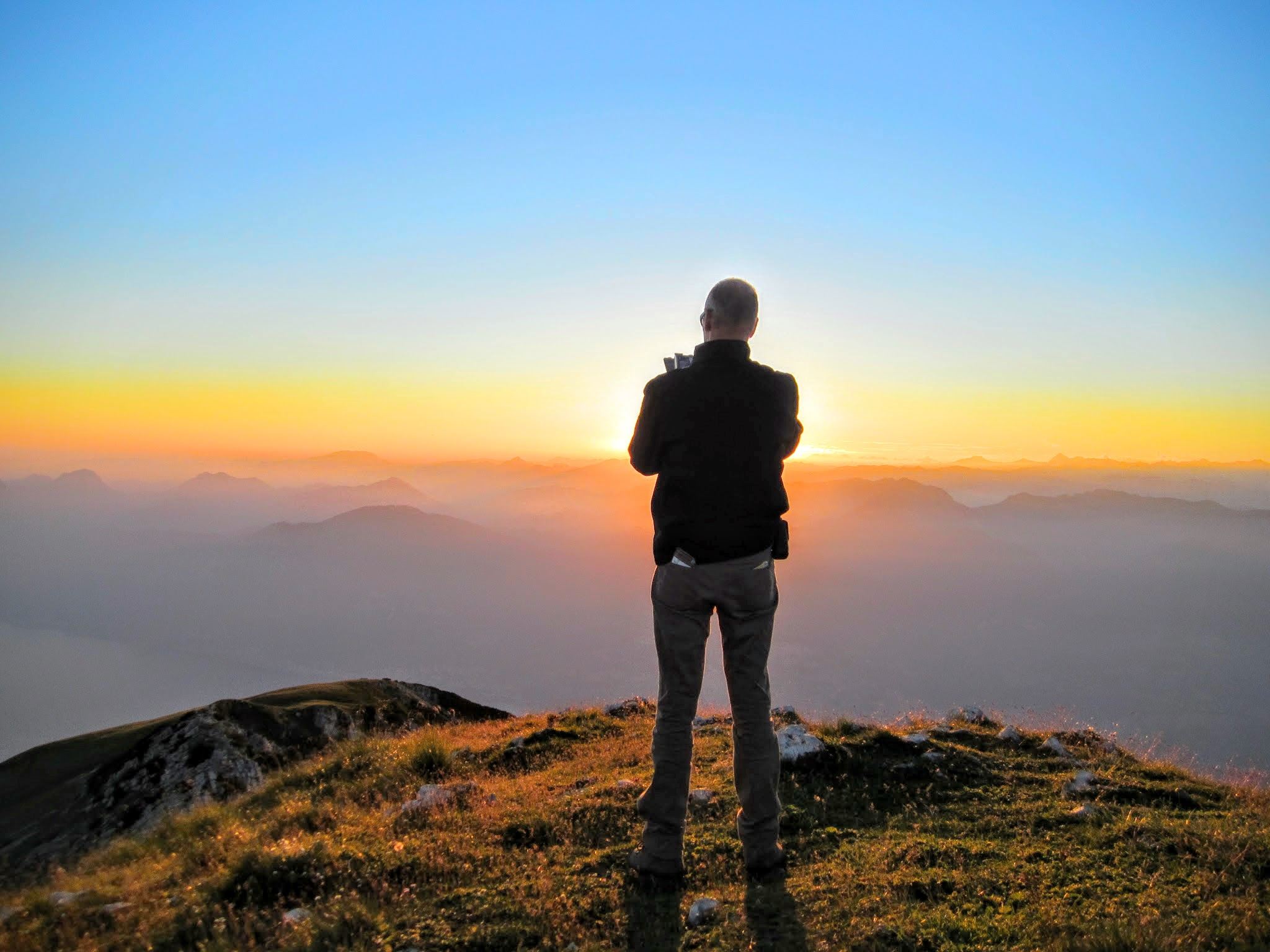 Zonsondergang bergtop