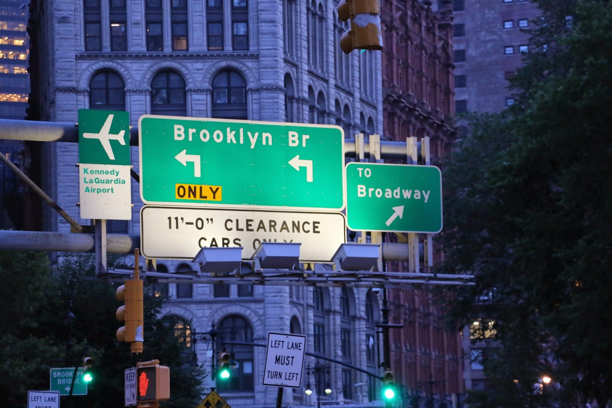 Brooklyn Bridge wegwijzer