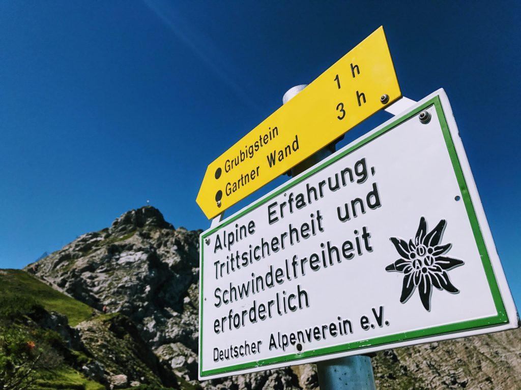 Gipfel Kreuz Grubigstein Gartnerwand