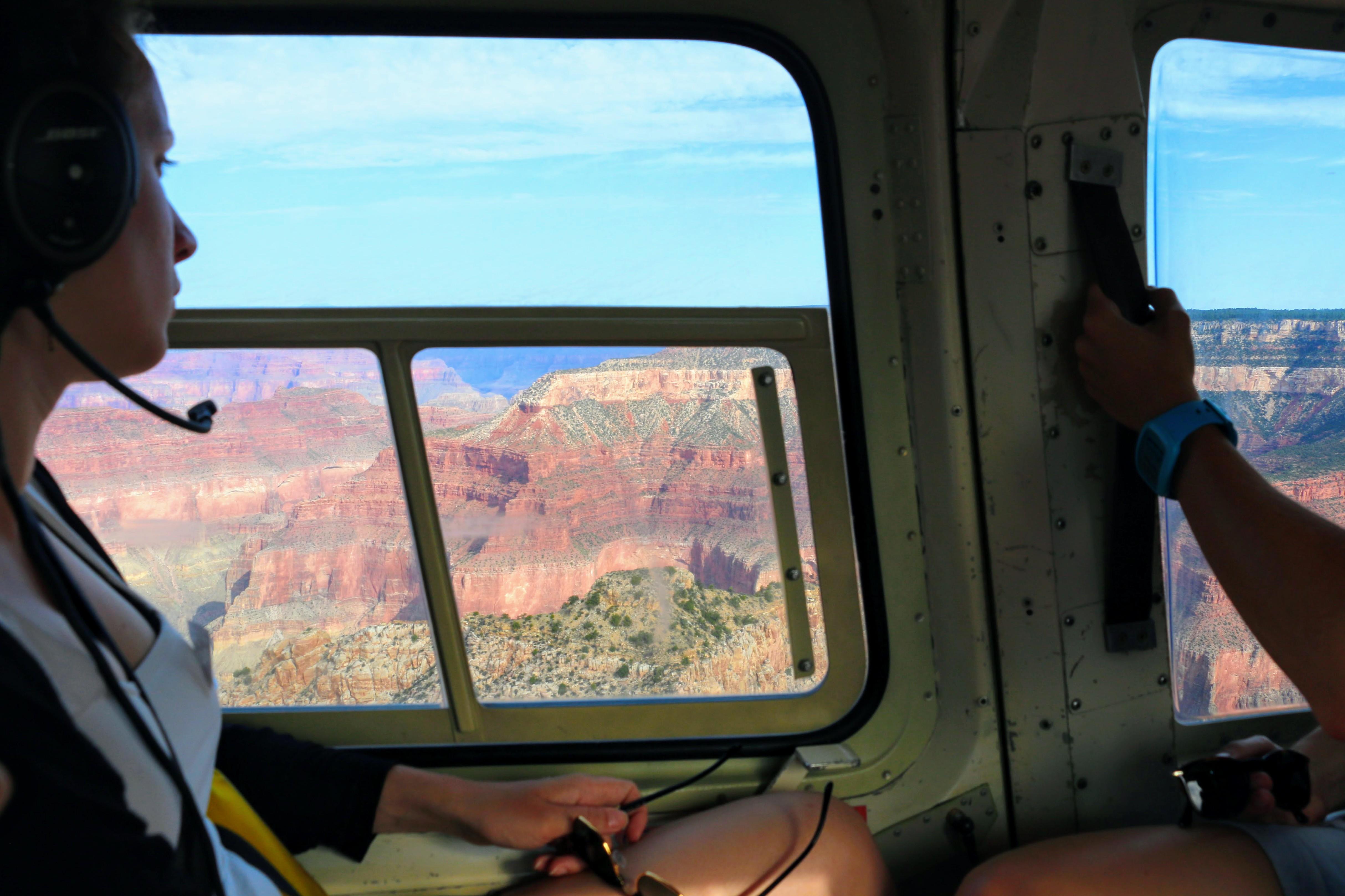 Een helikoptervlucht boven de Grand Canyon