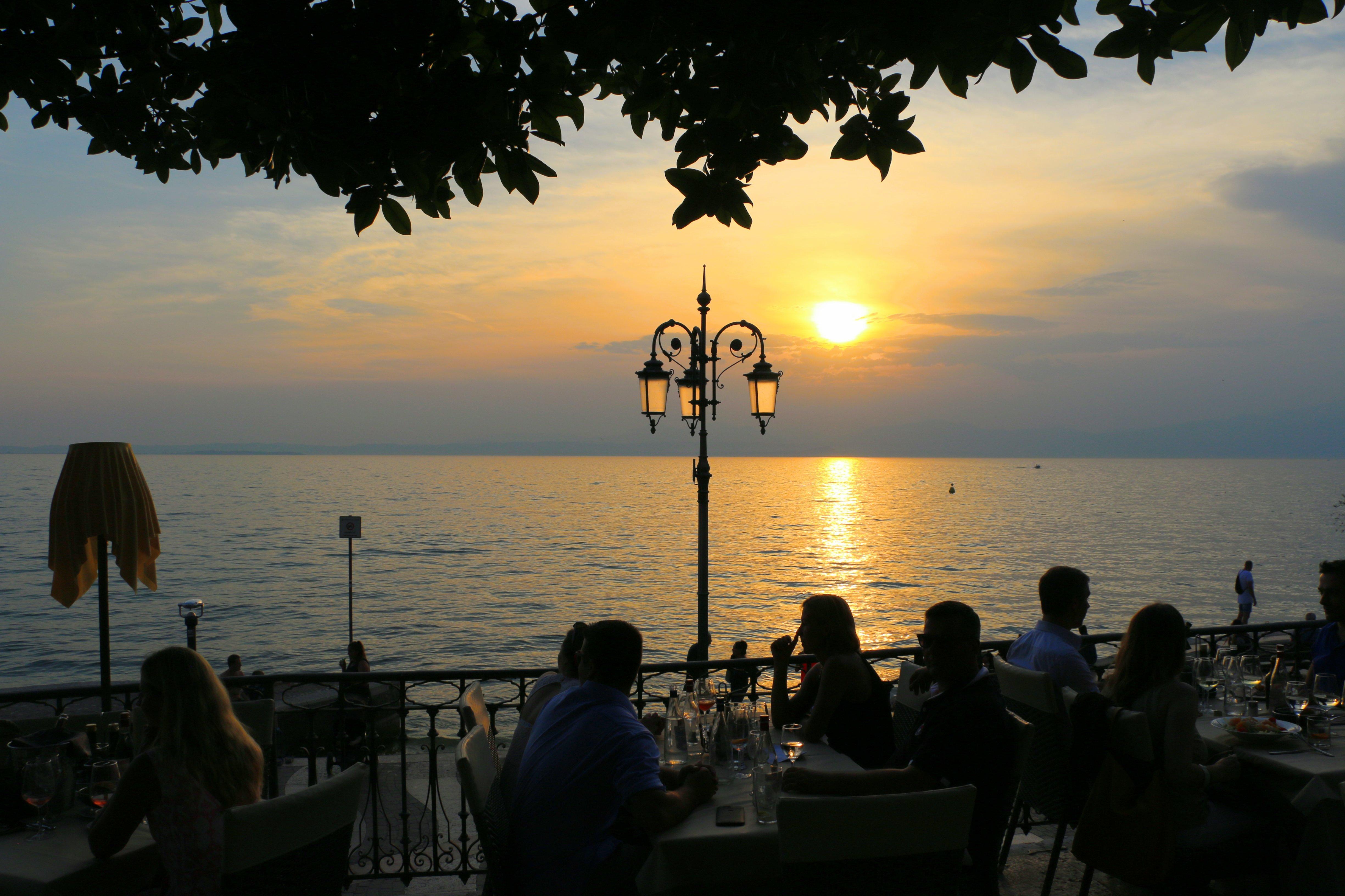 Restaurants aan het Gardameer met zicht op het meer