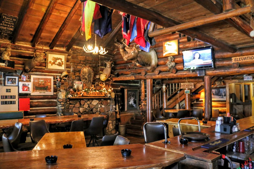 Bears Den Bar & Lounge Wyoming