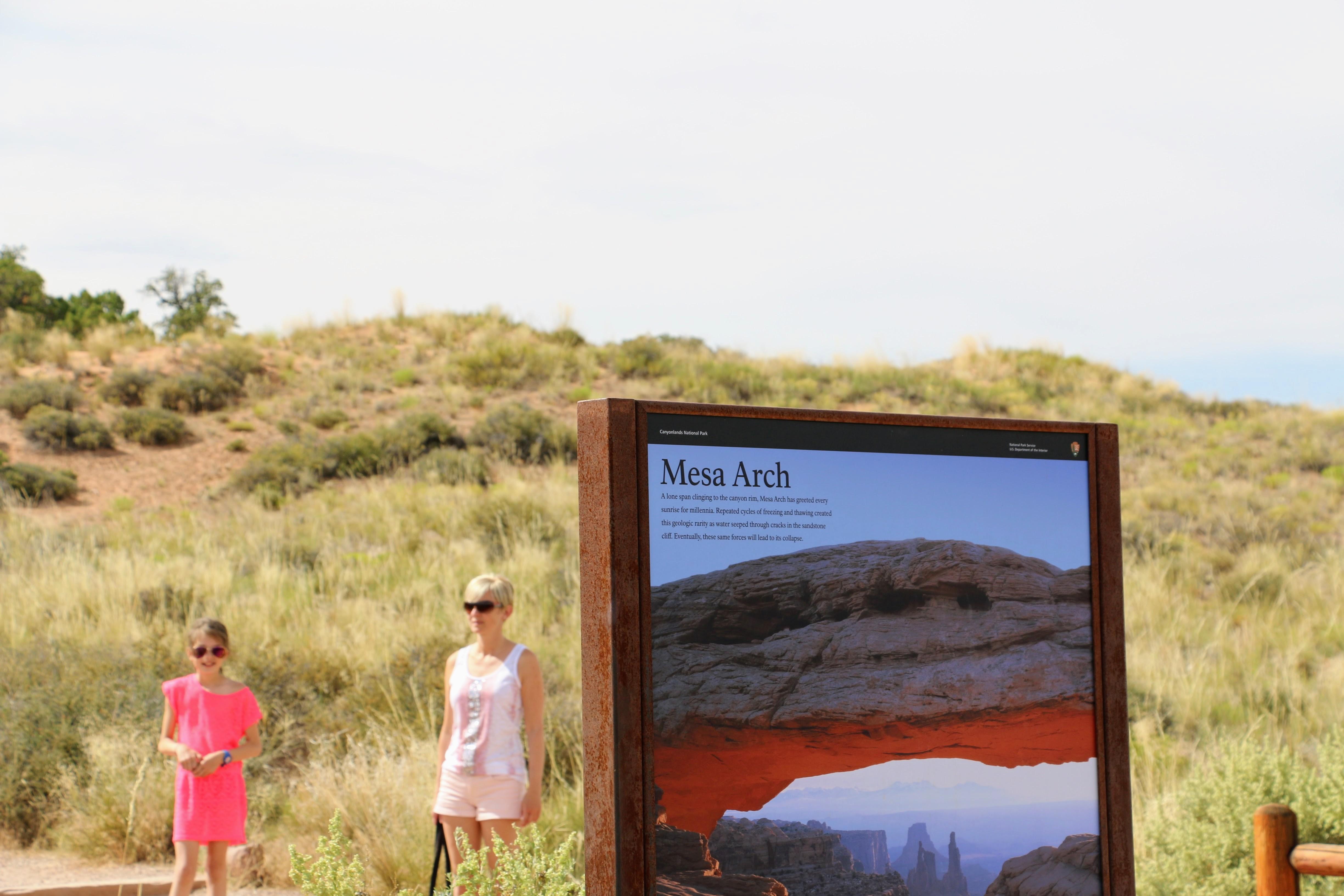 Wandeling naar Mesa Arch in Canyonlands NP