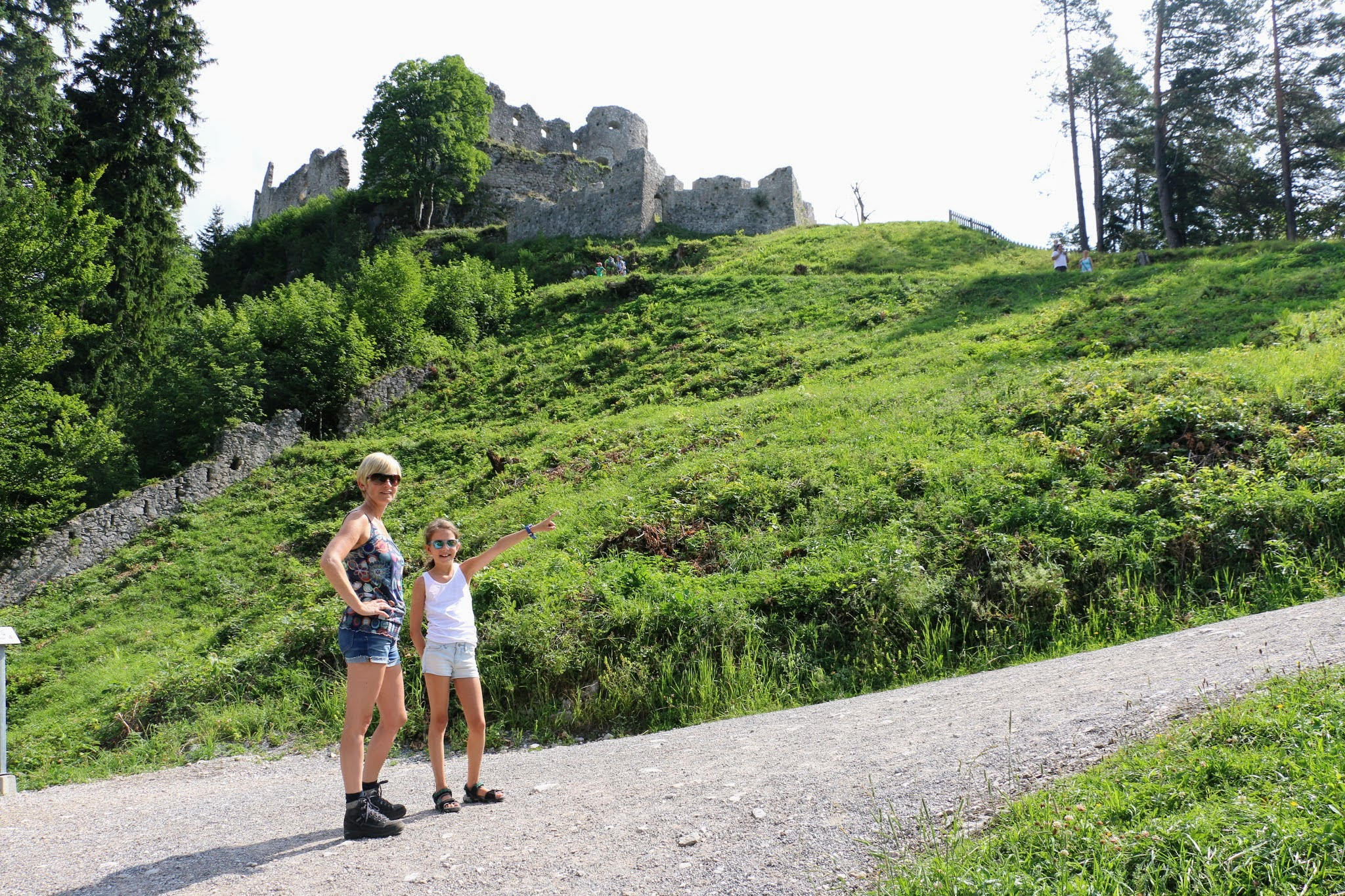 Wandelen in Reutte naar de hangbrug