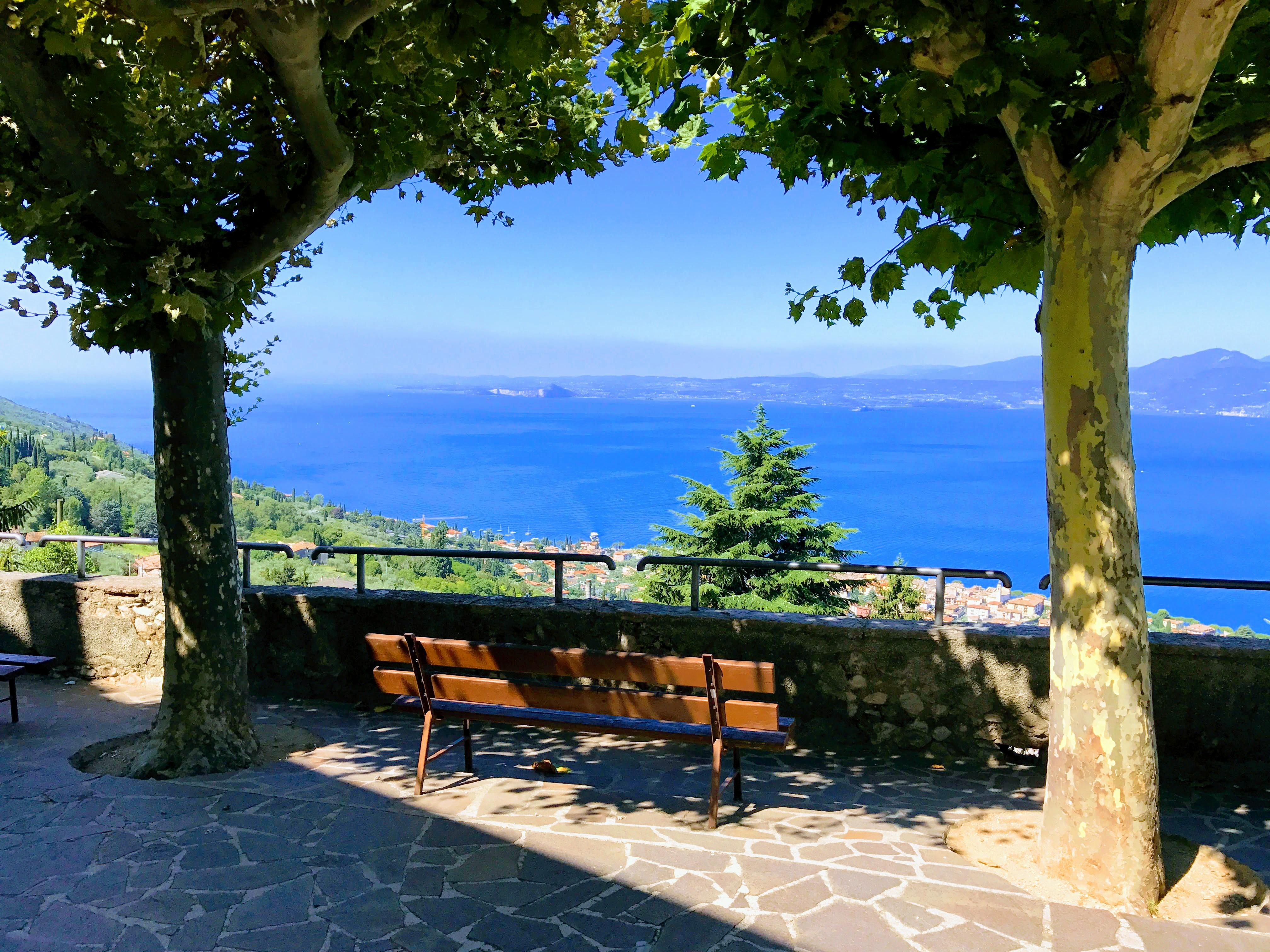Uitzicht vanaf het kerkje van Albisano