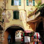 Het stadje Garda in beeld