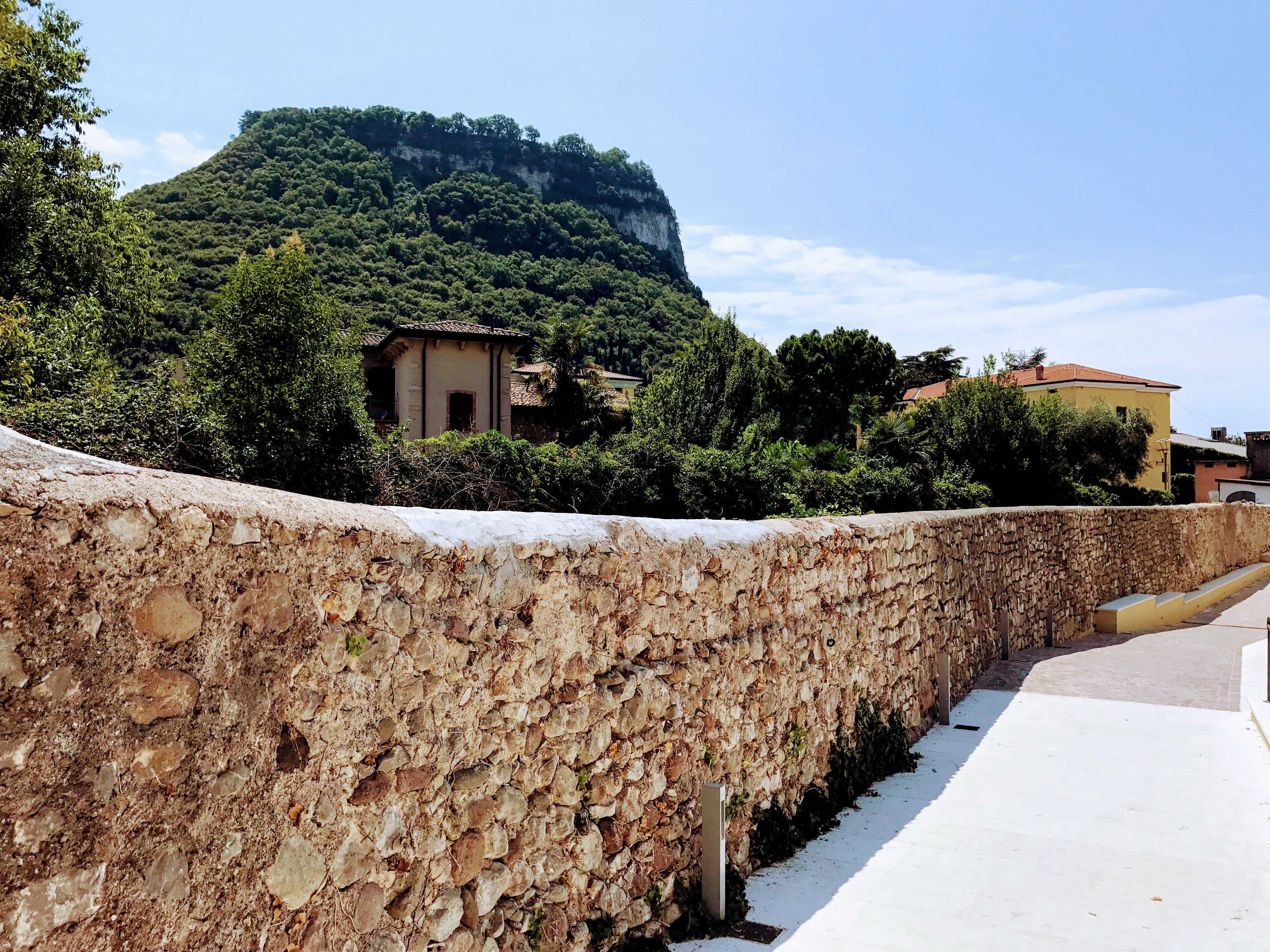 Een zicht vanuit Garda aan het Gardameer