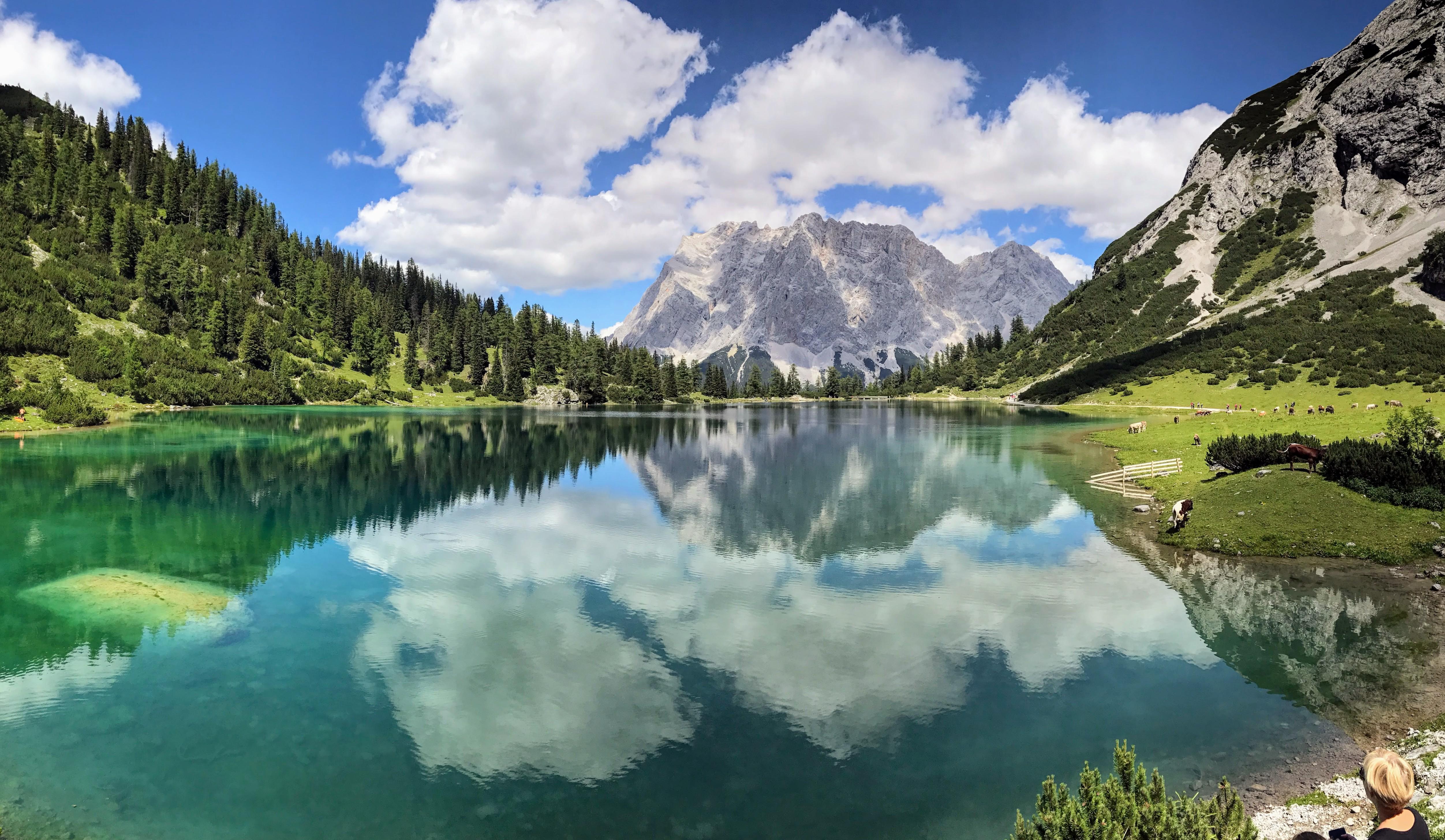 Seebensee reflectie Zugspitze in water