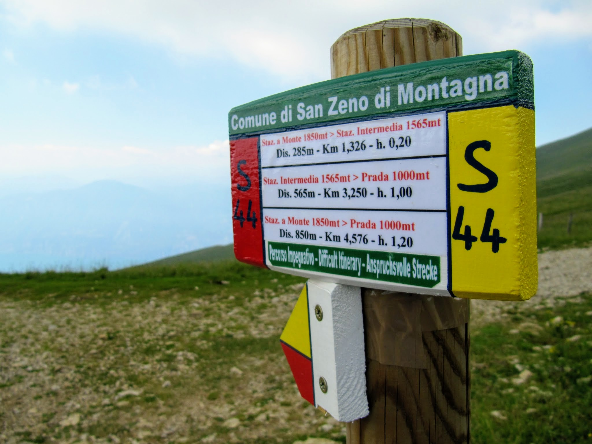 Wegwijzer San Zeno di Montagna
