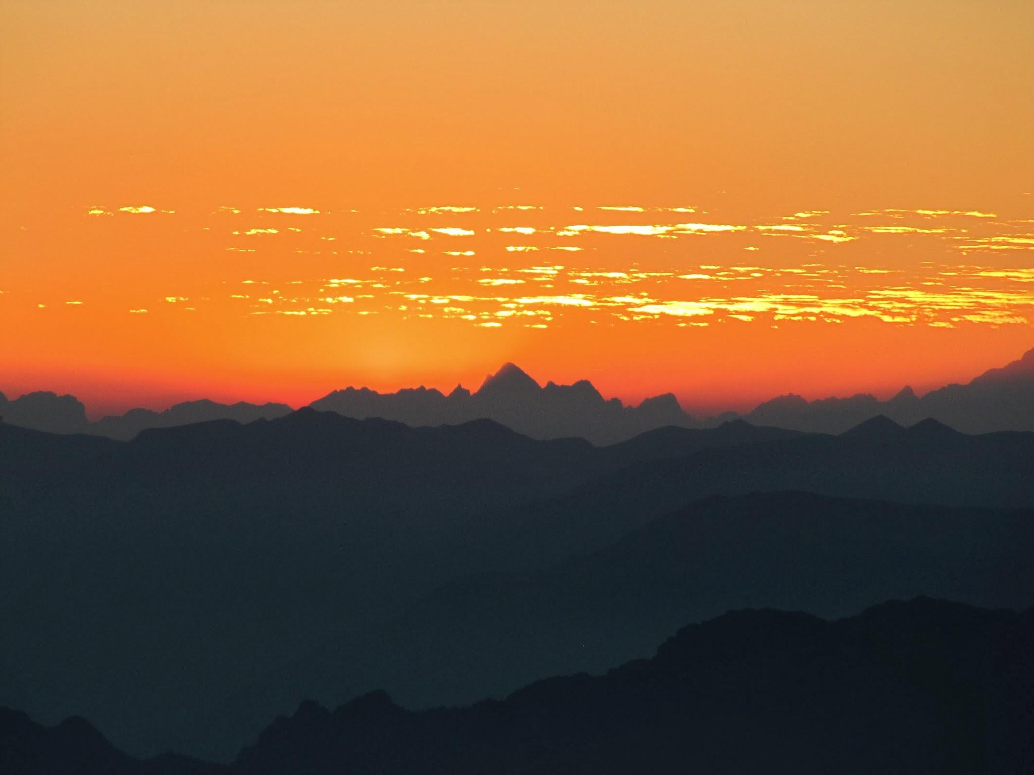 Zonsondergang Monte Baldo oranje lucht