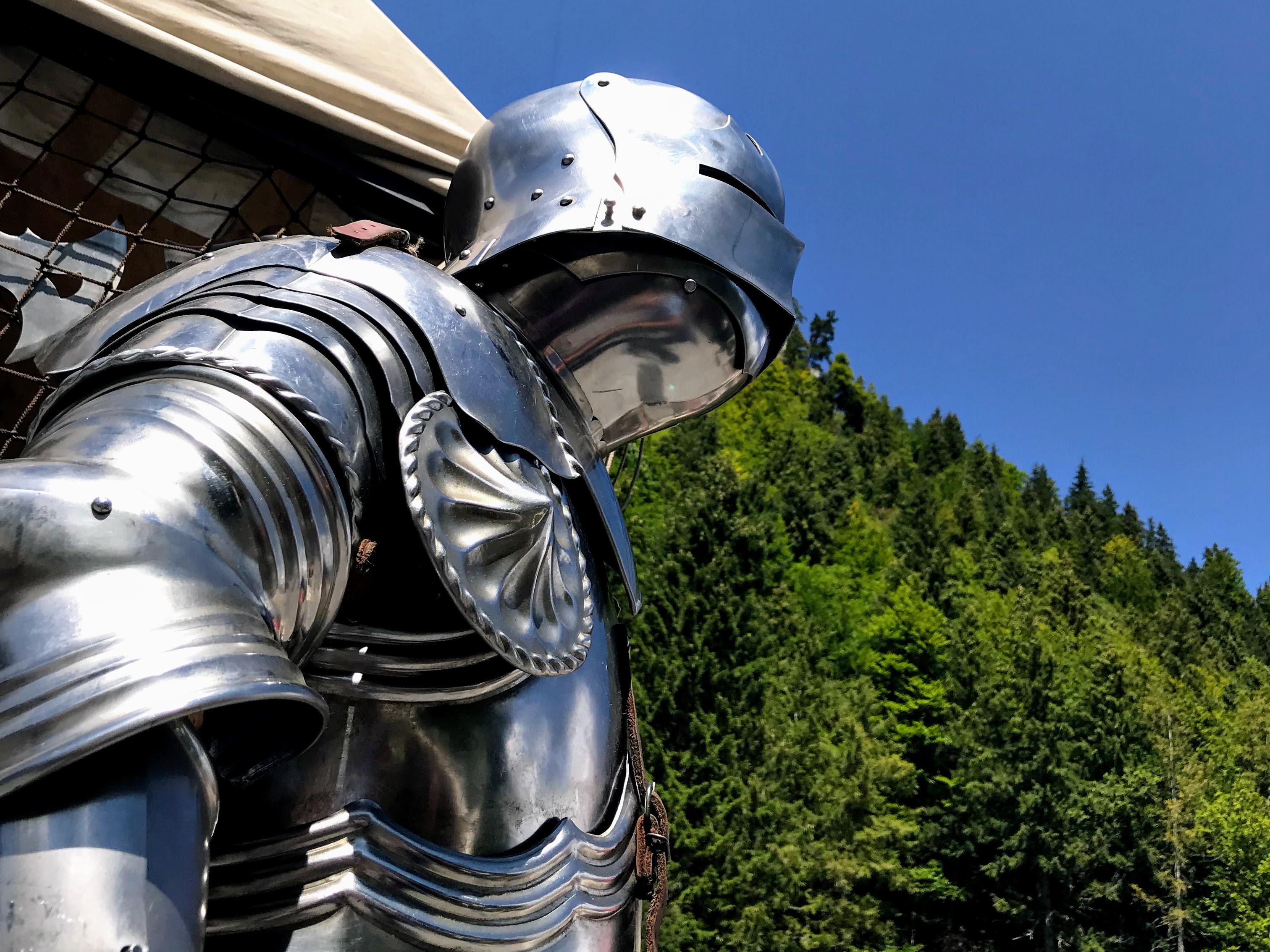 Een echt harnas van een ridder kopen