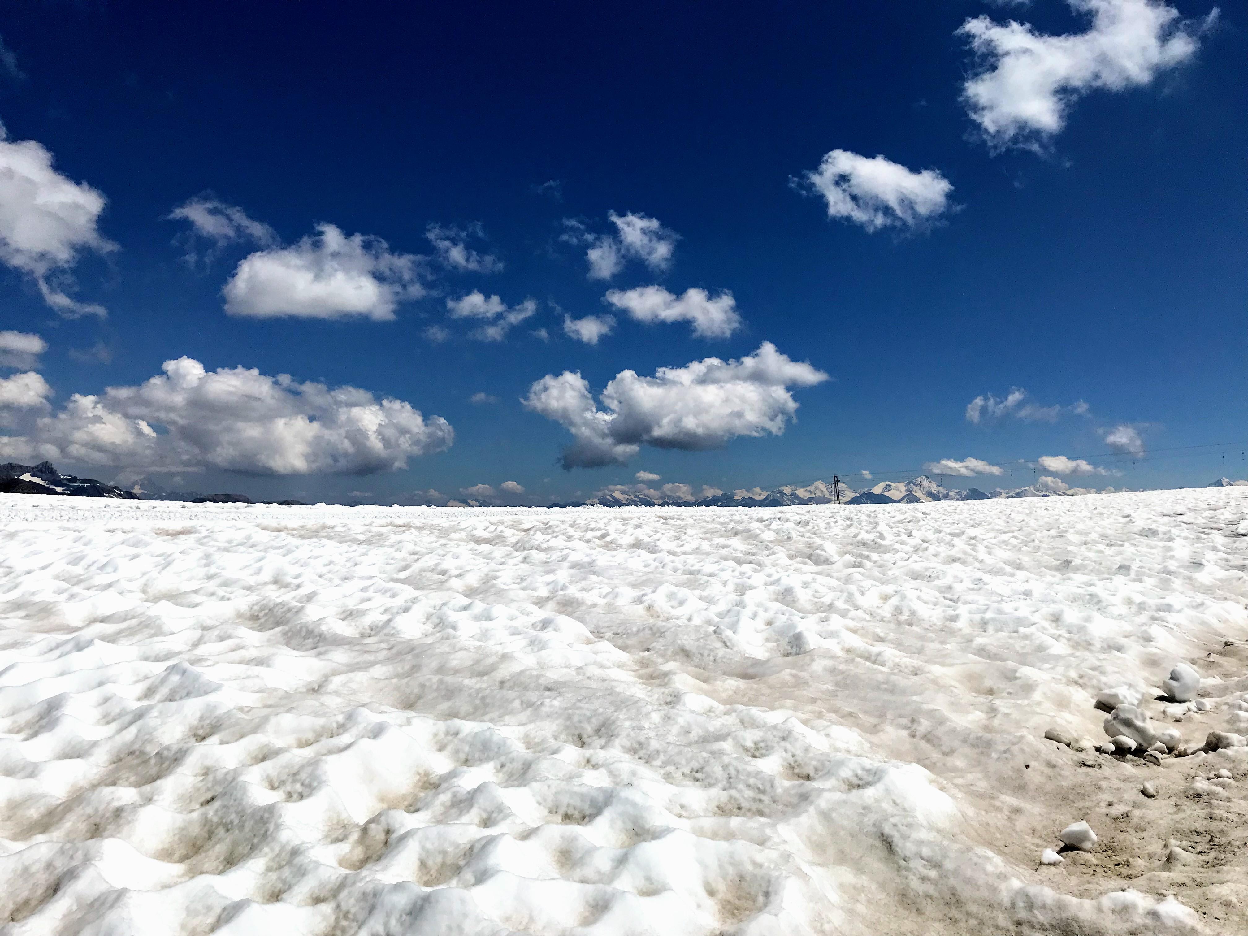 Wandelen op een gletsjer in de zomer - Diablerets Glacier3000