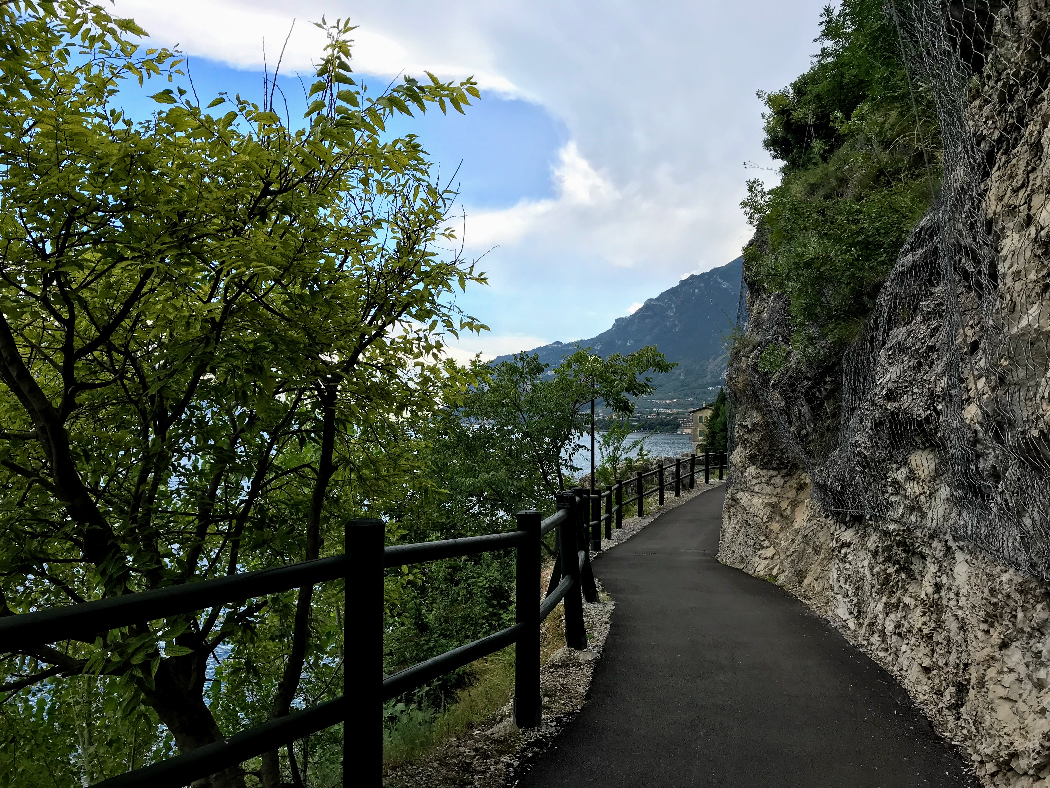 Fiets- en wandelpad tussen Limone sul Garda en Riva del Garda