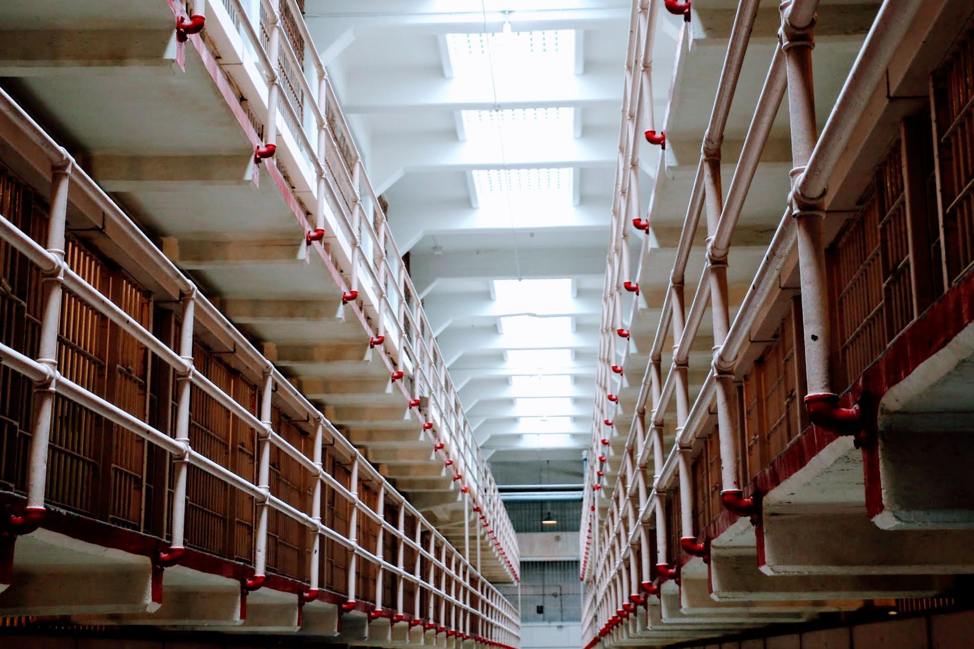 Gang met cellen in gevangenis Alcatraz Island