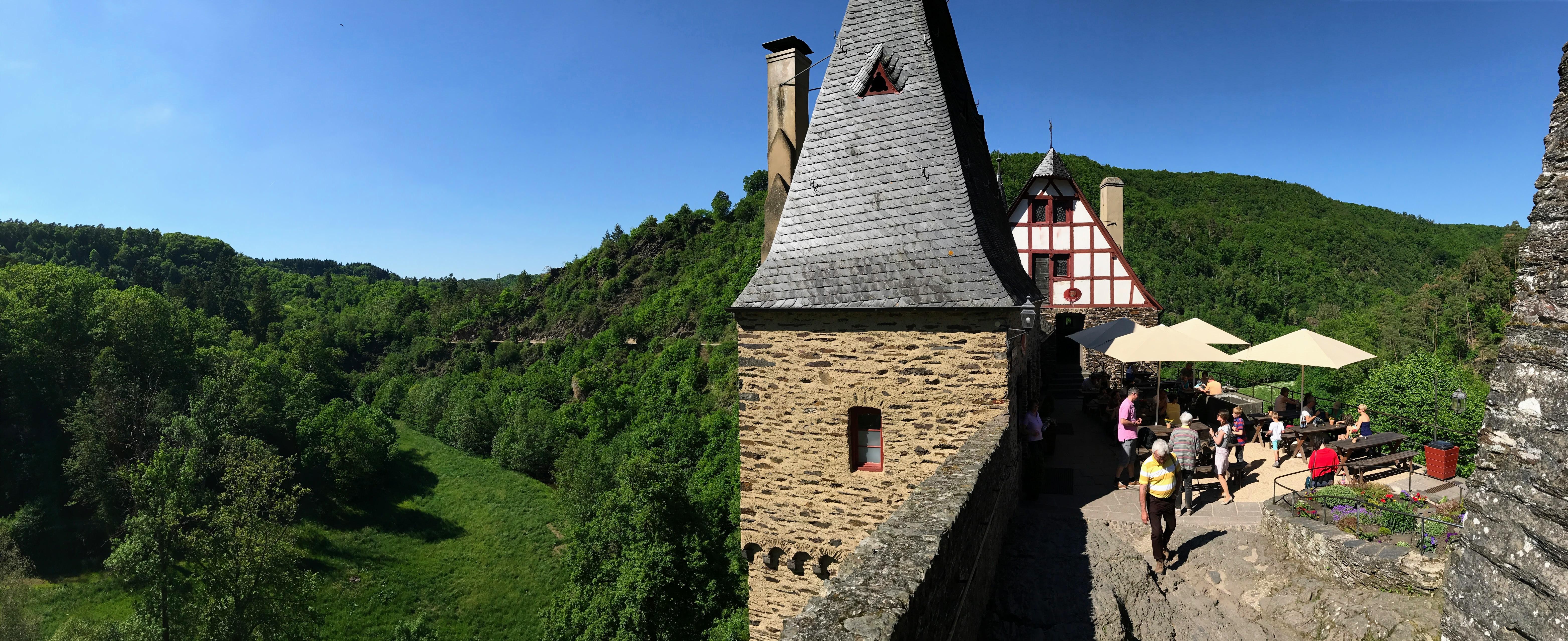 Cafetaria en terras Burg Eltz