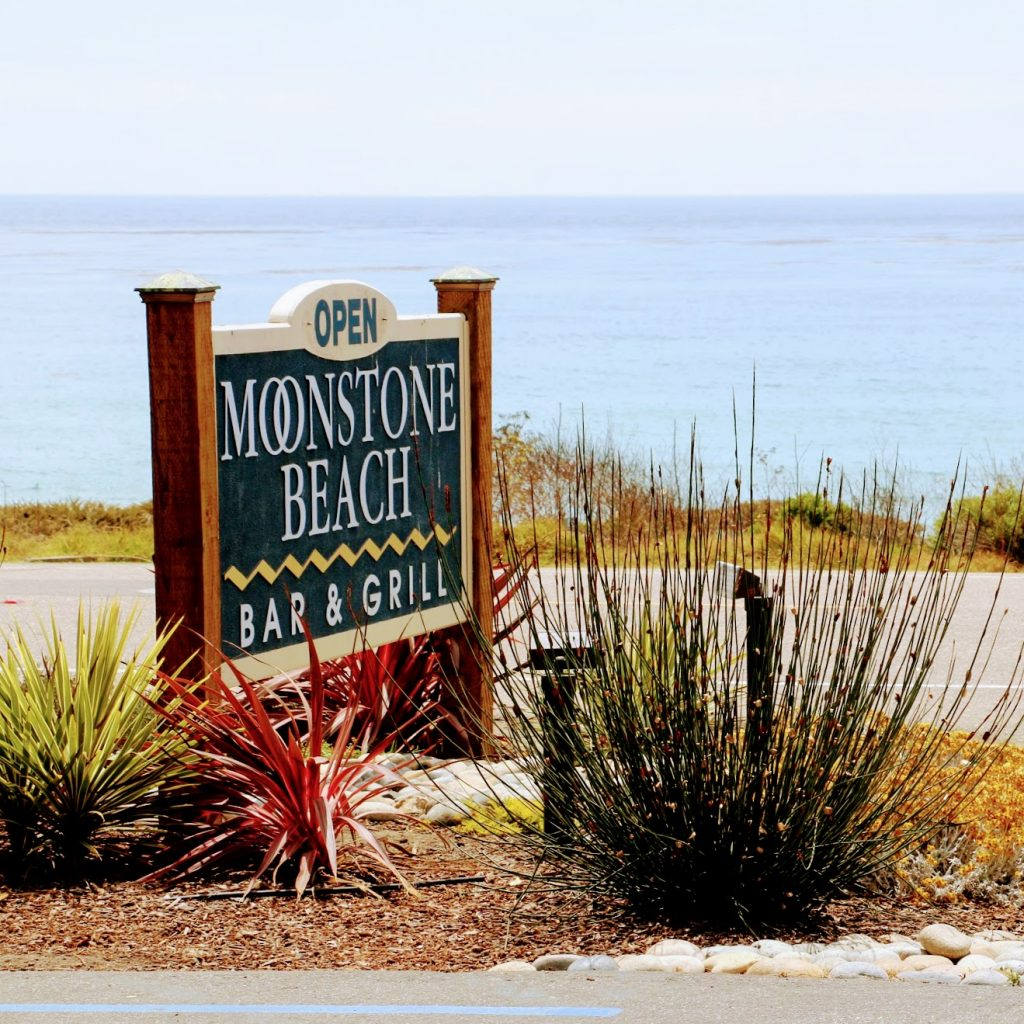 Moonstone Beach Bar & Grill