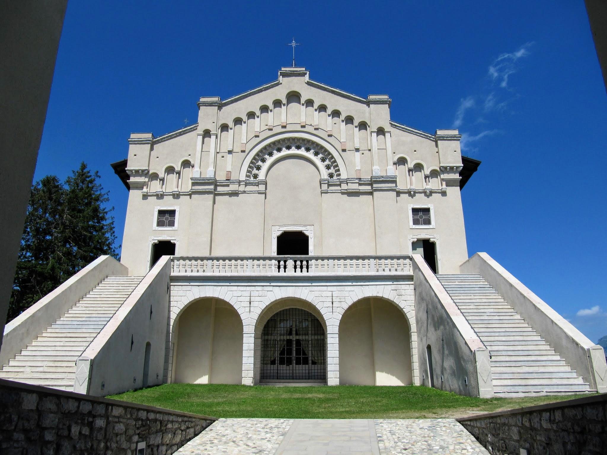 Binnenplein Santuario di Montecastello