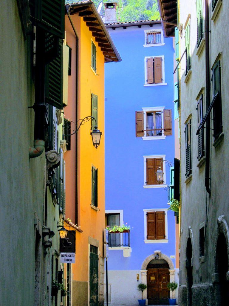 Kleurrijke straatjes aan het Gardameer