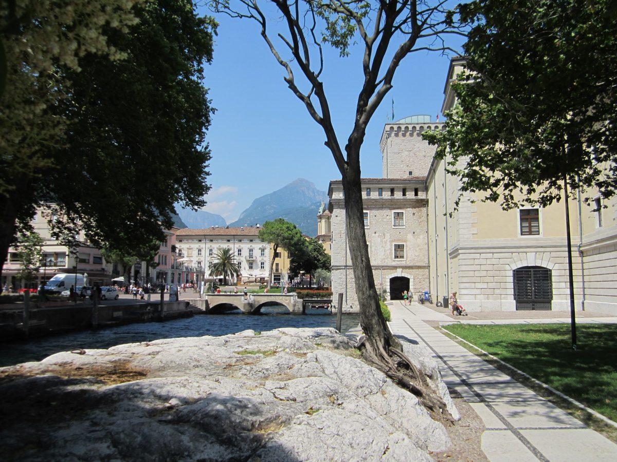 Het stadje Riva del Garda aan het Gardameer