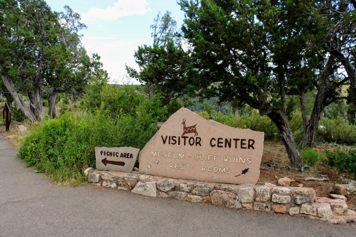 Walnut Canyon Visitor Center