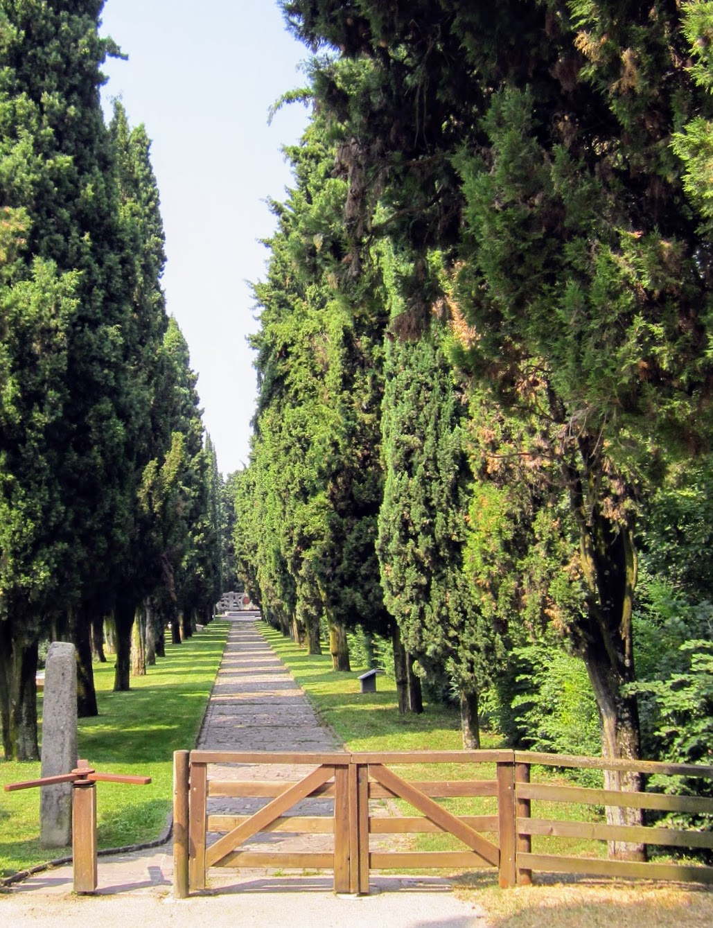 Wandelpad naar monument Rode Kruis Solferino