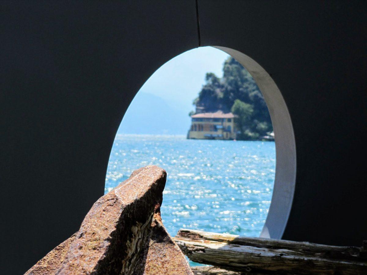 Zicht op het Gardameer vanuit Riva del Garda