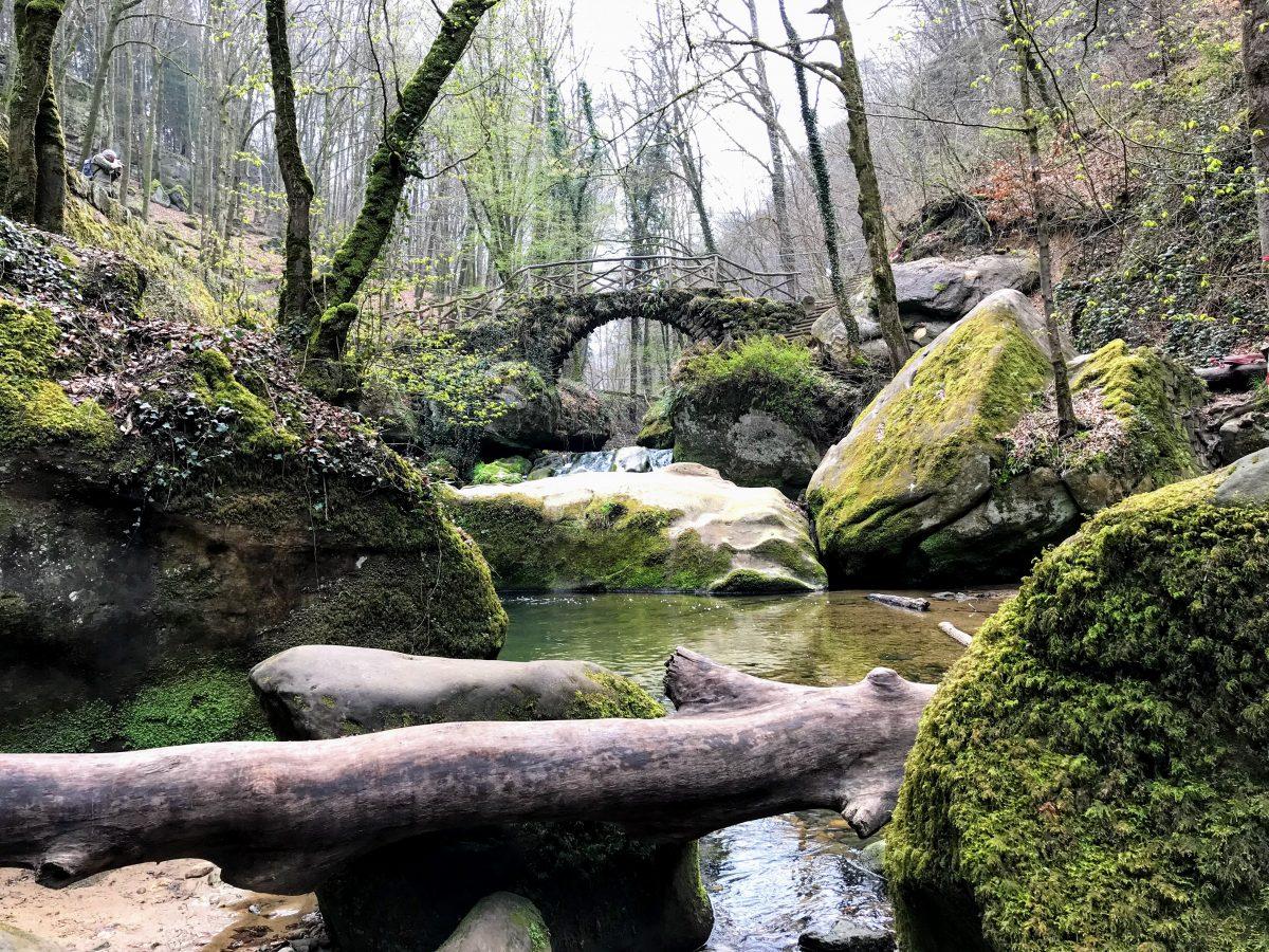 Brug over de Schiessentümpel waterval