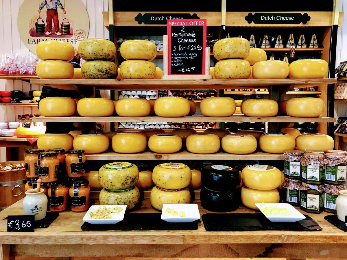 Kaas proeven in Volendam - Nederland
