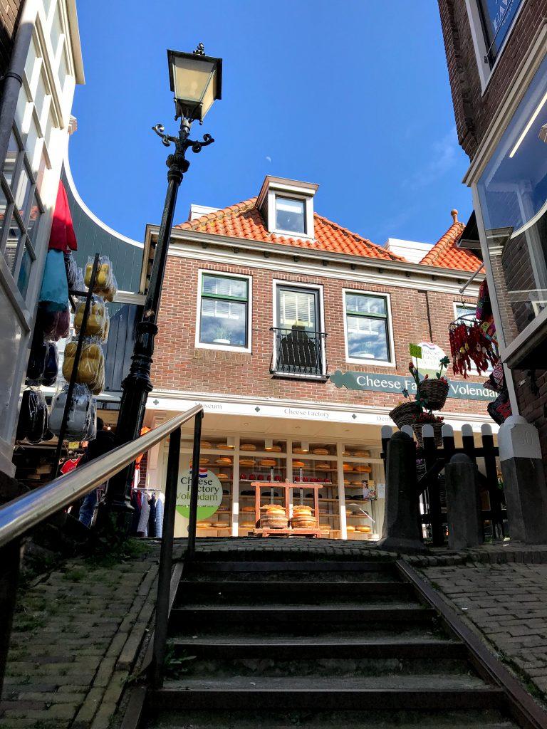 Cheese Factory Volendam - zicht vanuit het doolhof