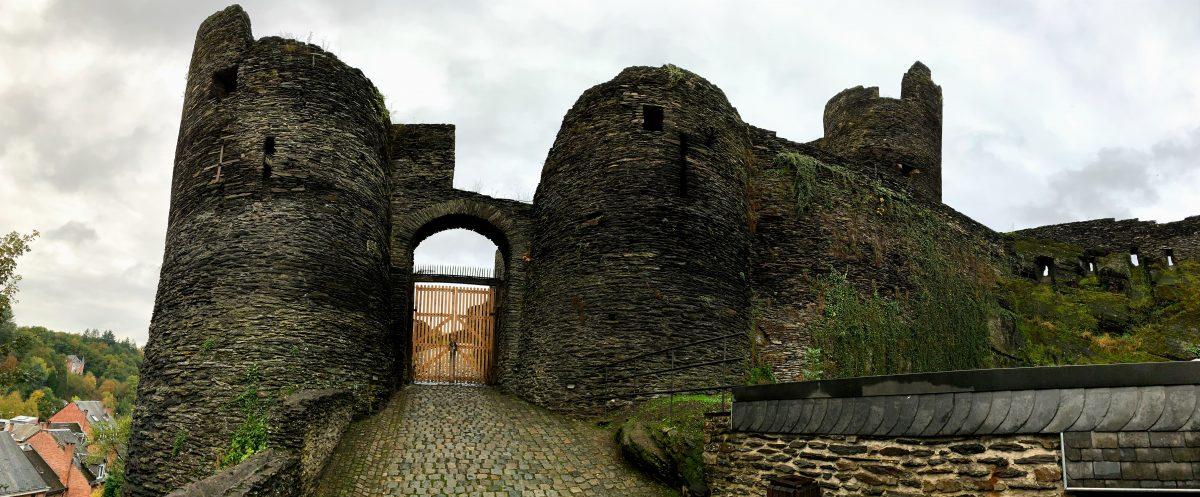 Feodaal kasteel van La-Roche-en-Ardenne