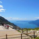Terrassen aan het Gardameer met een adembenemend uitzicht