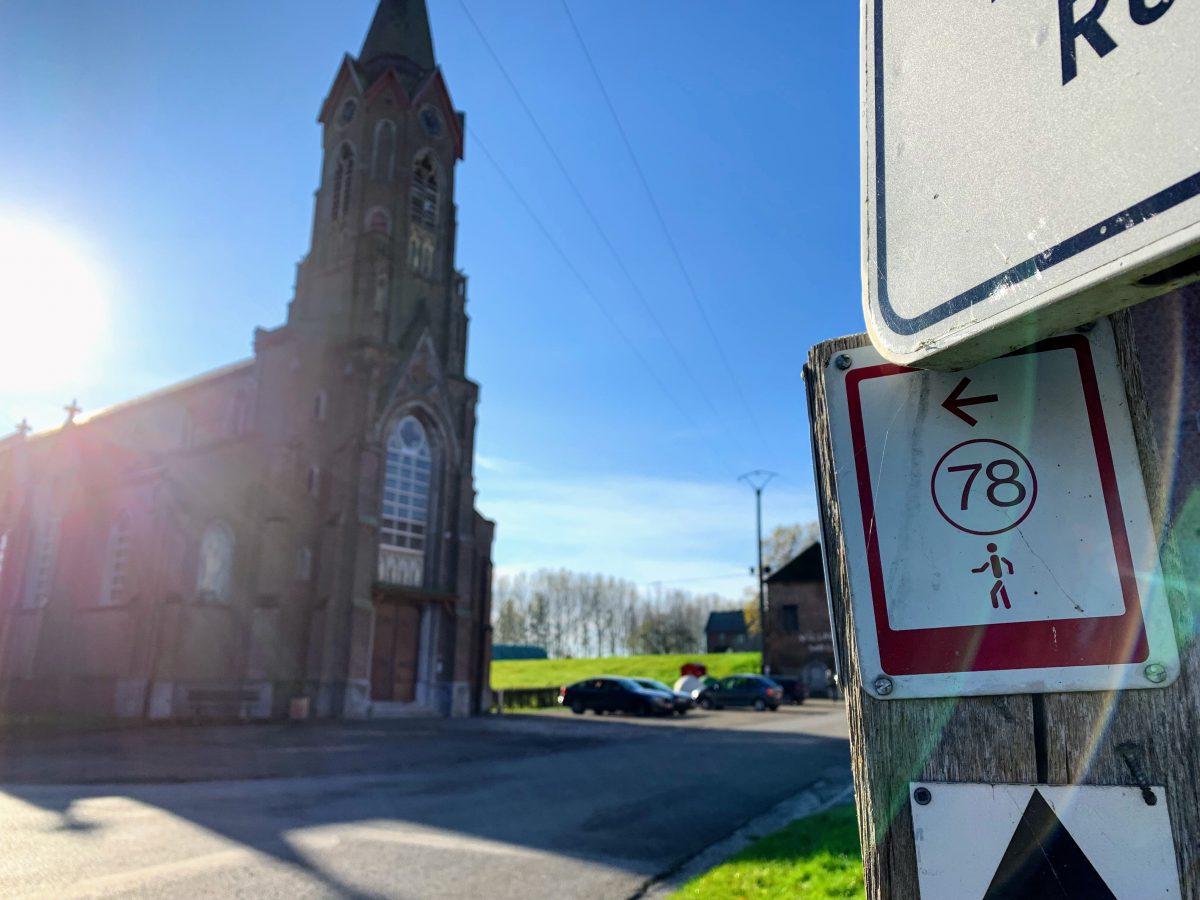 Parking bij de kerk van Remersdaal