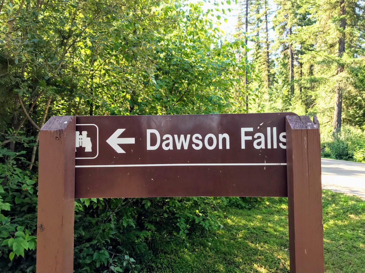 Wegwjzer Dawson Falls