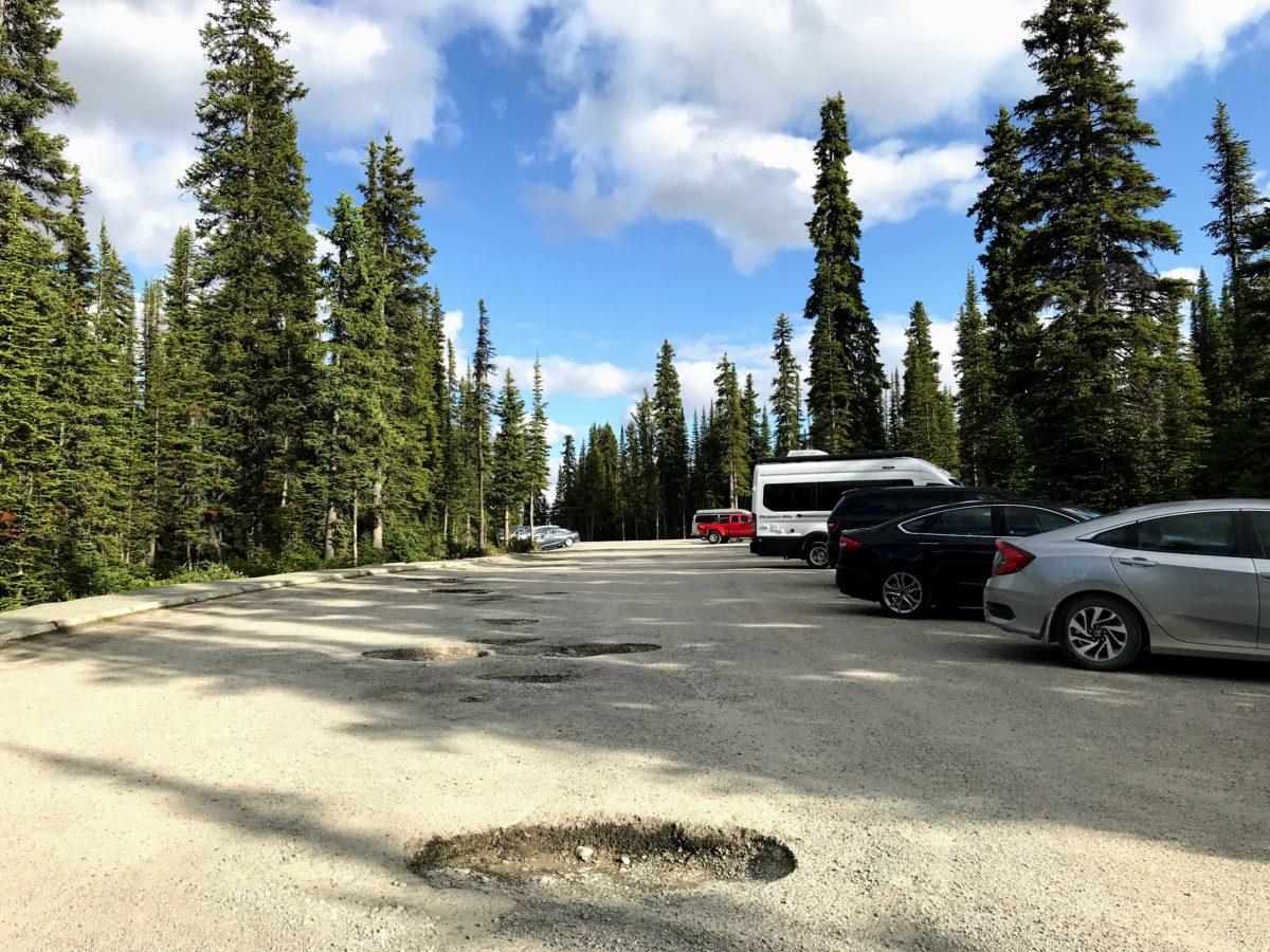Parking Peyto Lake