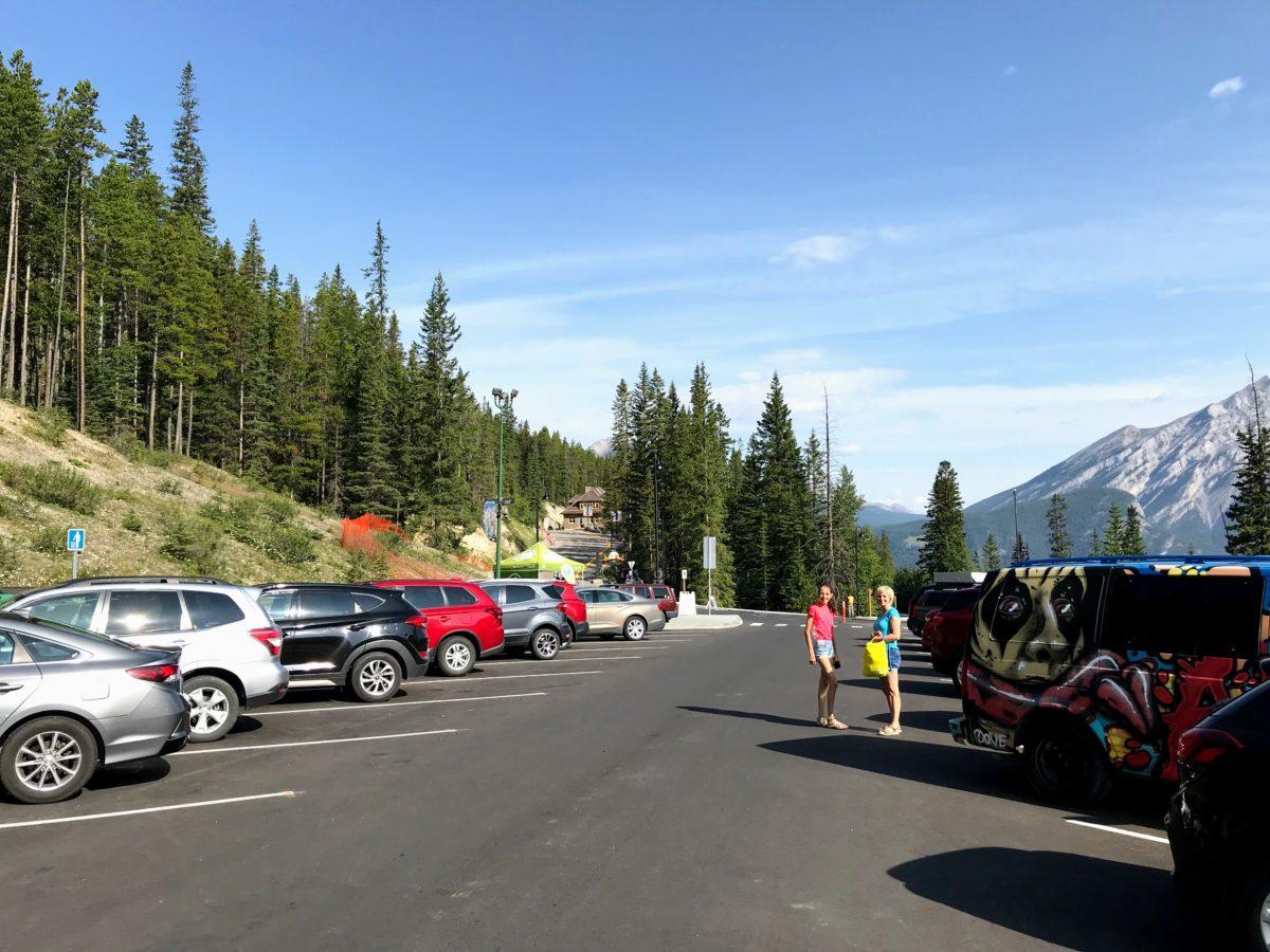 Banff Upper Hot Springs - parking