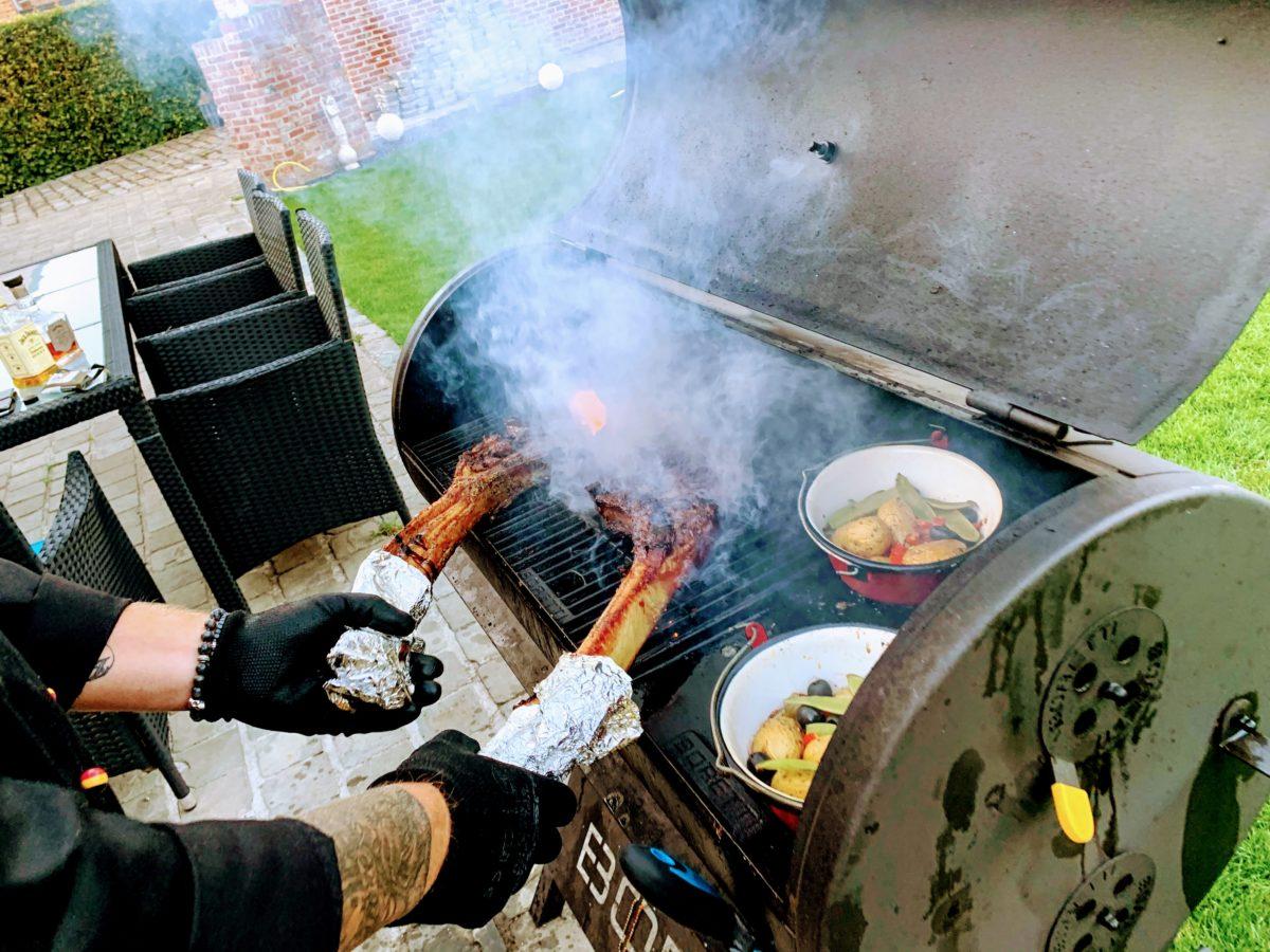 De Pannewinning - Tomahawk op de BBQ