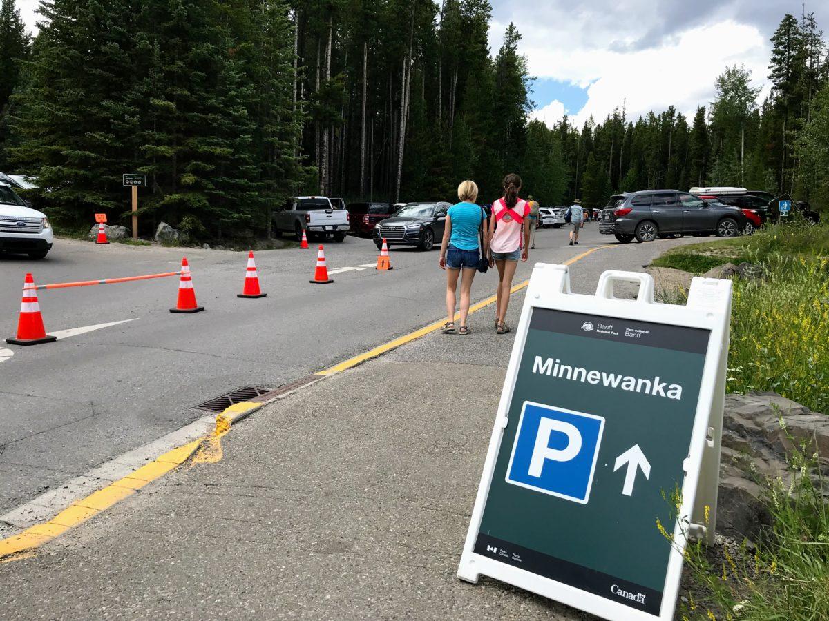 Parking Lake Minnewanka