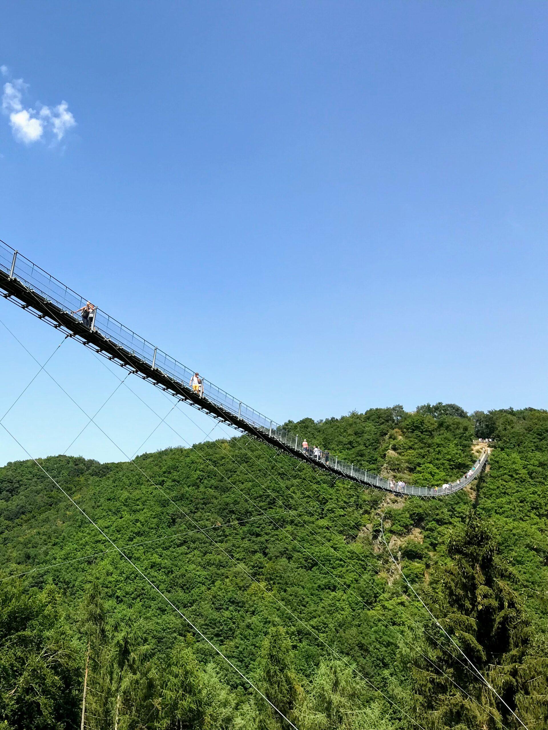 Spectaculaire hangbruggen