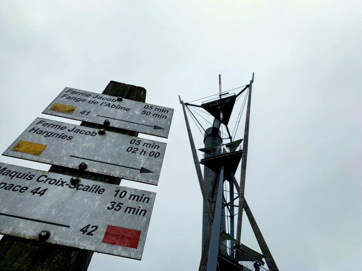 De uitkijktoren van Gedinne - wandeling in de omgeving